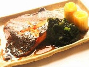 煮魚の定番、ホロっと柔らかいカレイの煮付け