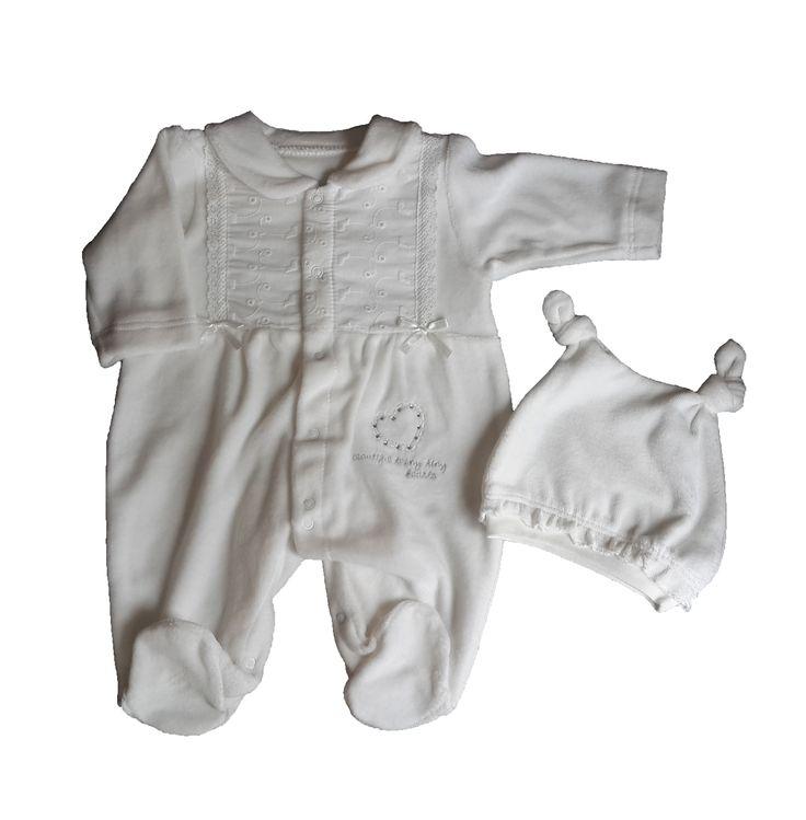 ✔Kadife tulum ve şapka 2li setler yalnızca 20TL!   ✔0/6ay beden seçenekleriyle; Detaylar ve sipariş için http://www.laresima.com/Arama.aspx?kelime=kadife ;)  #bebbemini #laresima #bebektulum #bebek #tulum #bebek #giyim