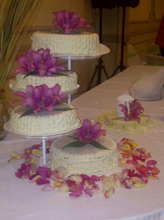 Torta de novios hecha por Mariana's Cake. https://m.facebook.com/marianas.cake.7