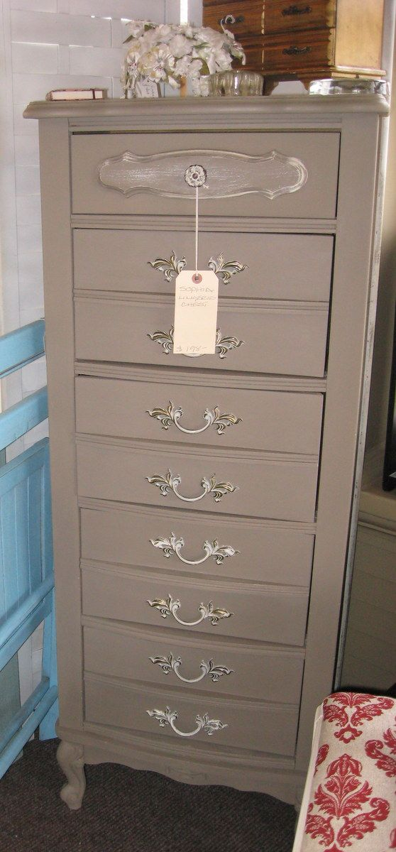 french provincial makeover....ok I own this exact dresser!