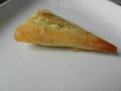 Cette recette simplissime et pleine de saveur est parfaite pour un apéro gourmand ou en entrée avec une salade. J'ai mélangé un yaourt avec un peu de confit de citron pour les accompagner. Servez les samossas chauds avec la sauce bien froide. Niveau:...