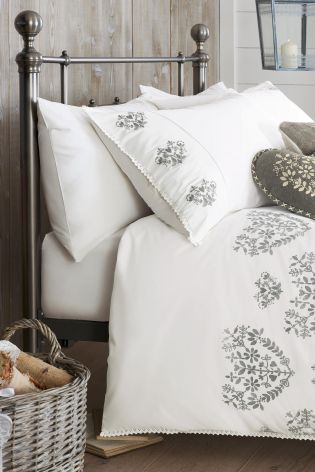 If you're bedroom has a minimalist style, this Fairisle Heart Embroidered Bed Set from Next will look gorgeous.