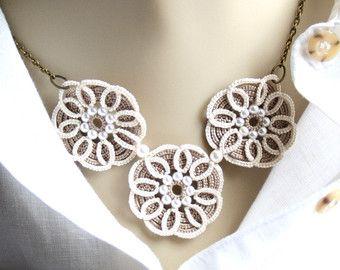 Verde de ganchillo collar en cuestión Vogueknitting por KnotTherapy