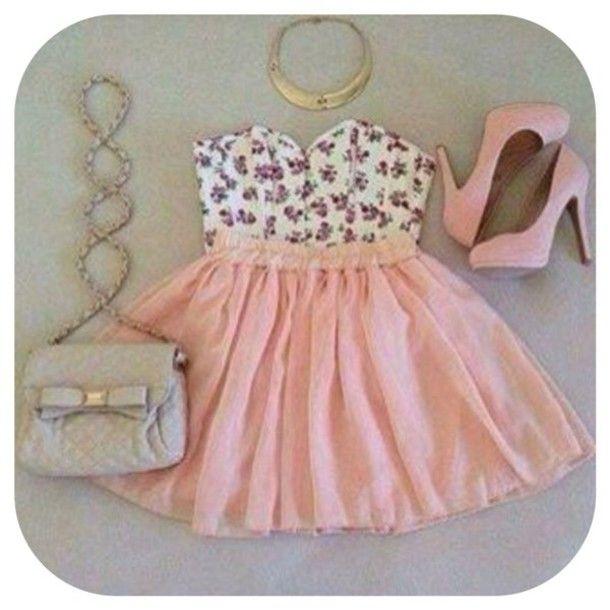 Cute everyday dress.