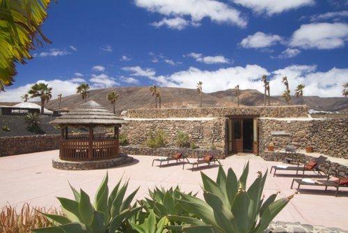 Finca De Arrieta - Eco-Luxe Villa at Baby Friendly Boltholes