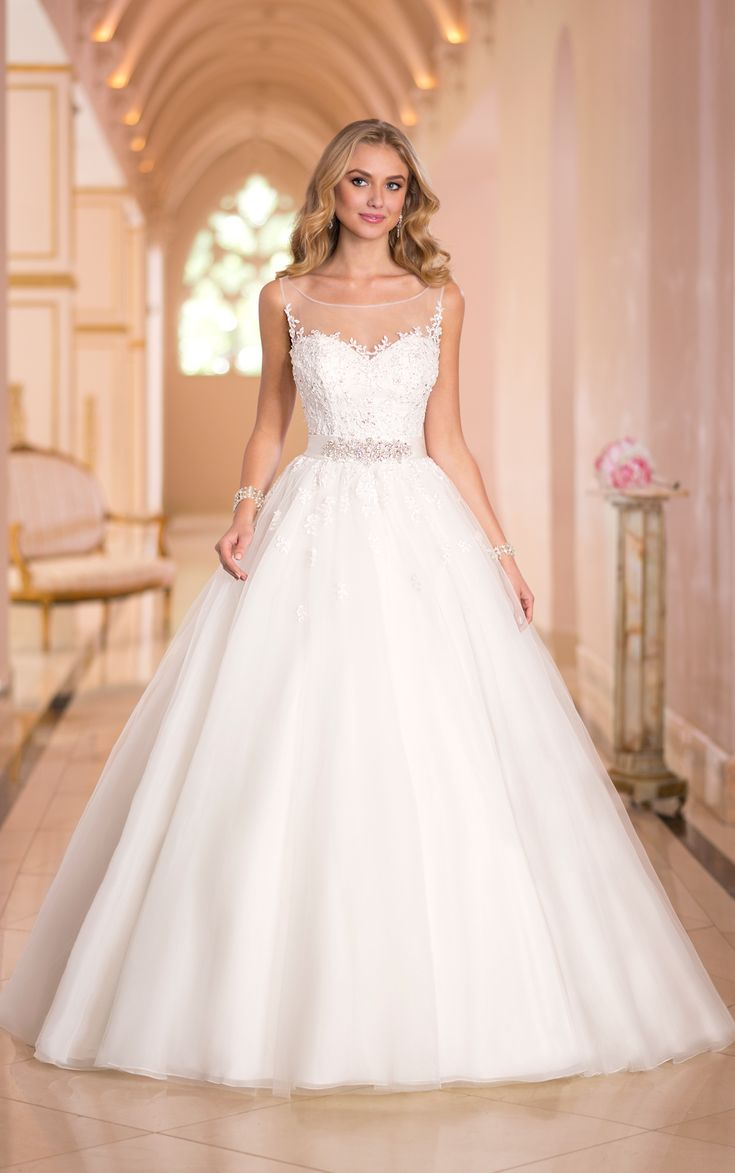 Sparkly ball gown wedding dresses have gorgeous Lace and Tulle embellished throughout with Diamante beading. Exclusive designer wedding dresses by Stella York.