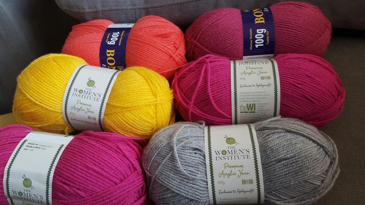 So.. I went shopping for lilac wool!