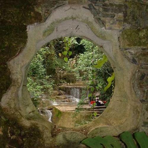 Look inside the portal of my garden wallLuis Obispo, Backyards Innovation, Secret Gardens, Mexico Cities, Sculpture Gardens, Magic Gardens, Gardens Wall, The Village, Las Pozas