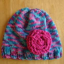 The Cotton Candy Hat is perfect for a little girl or boy, and it looks so stylish! Check out this free #knitting #pattern.