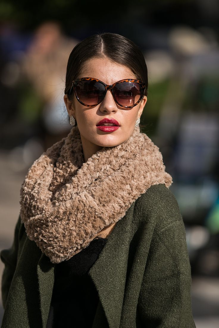 Beige soft furry snood. http://www.modaboom.com/accessories/scarves/product-262/