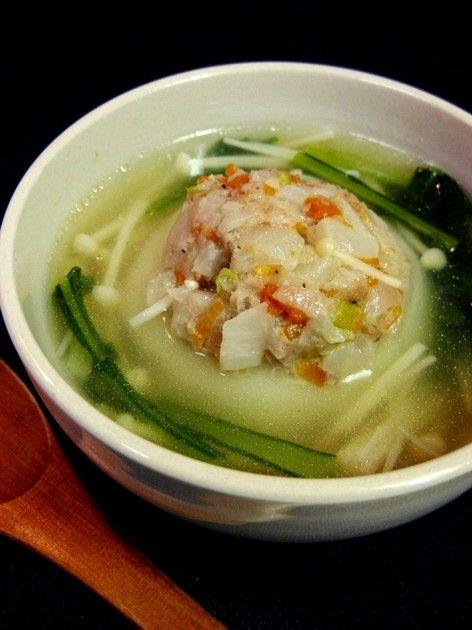 かぶをまるごと和風スープで煮込みました。まんまるのかぶの中にはお肉と野菜がたっぷり♪食べごたえありのおかず系スープです☆