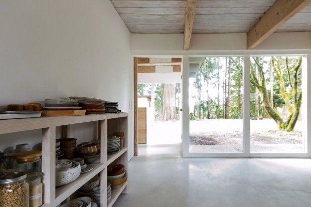 Je vous ai déjà présenté le travail des deux architectes canadiens Susan et David Scott du studio Scott & Scottà travers leur magnifique refuge dans l