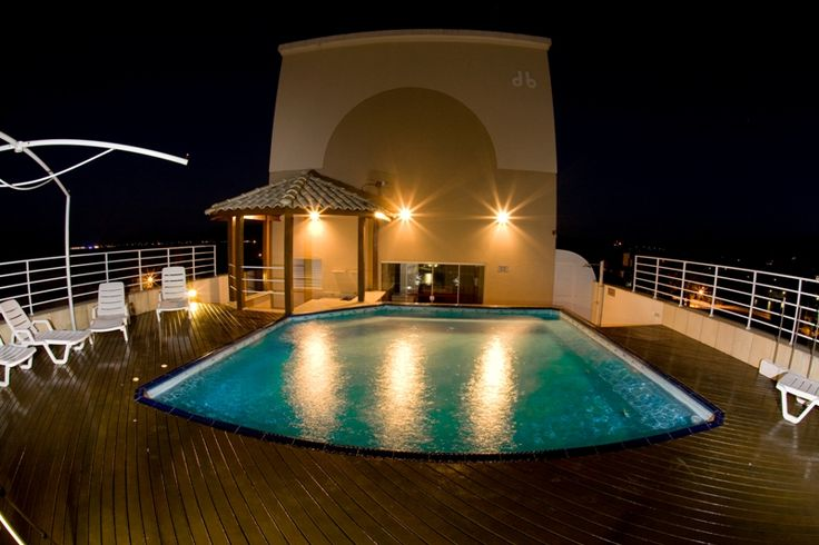 Piscina a noite. #florianopolis #floripa #canasvieiras #hoteisemflorianopolis #hotelemflorianopolis