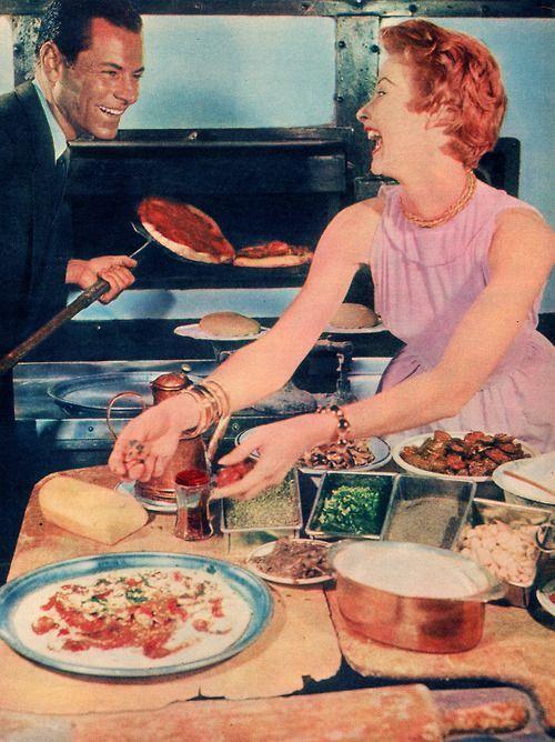 Als u uw eatings delen met je geliefde het geeft je meer smaak.  Eens of niet?