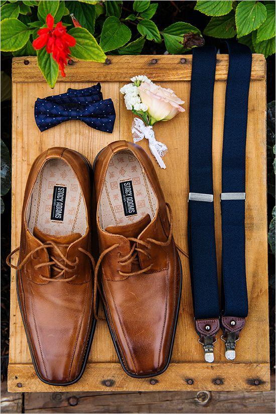 groom accessories   groom in suspenders   farm style wedding in New York   #weddingchicks