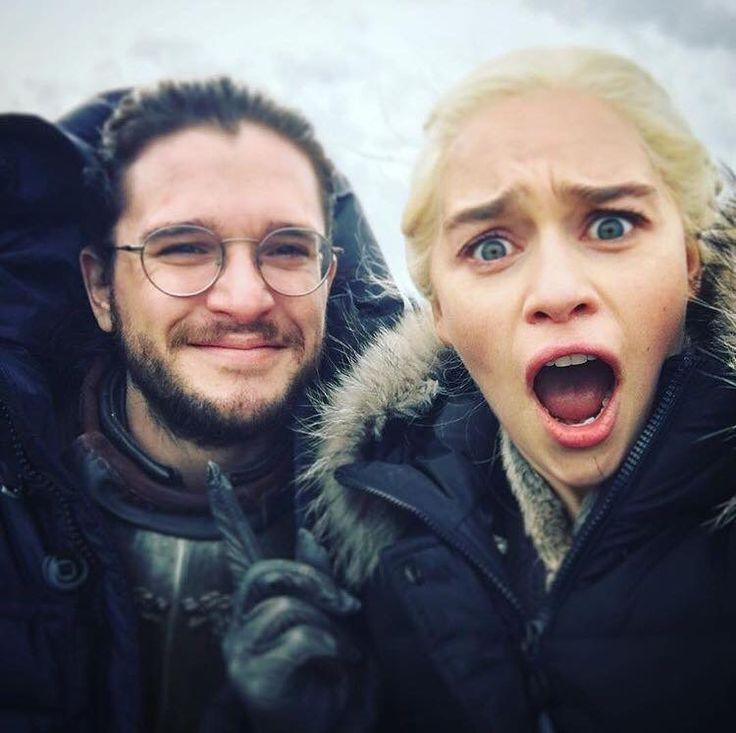 Kit and Emilia selfie, Game of Thrones.