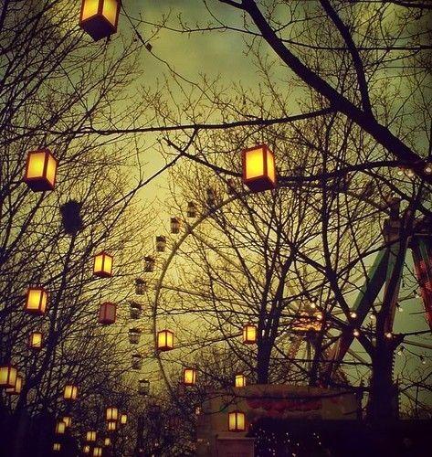 luscious ferris wheel in the evening with lanterns - www.myLusciousLife.com