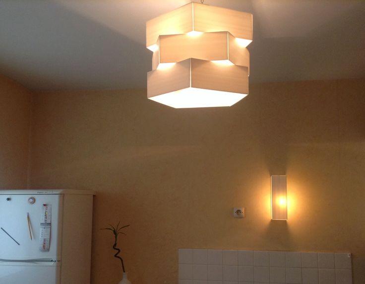 Lumiere luminaire light. Suspension a faire soi même en plaque plastique de polycarbonate léger . Pendant light.