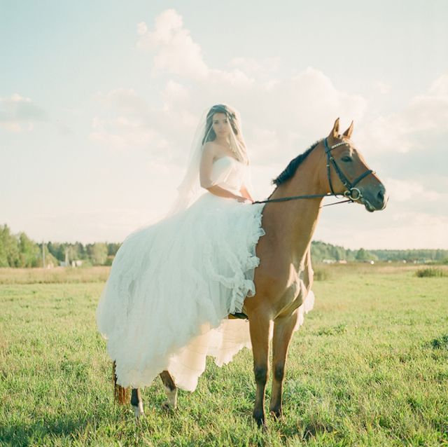 Equestrian bridals | Warmphoto | see more on: http://burnettsboards.com/2014/11/equestrian-bridal-session/