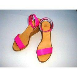 Πλατφόρμες σε τακούνι 6 ή 8,5 εκατοστά, σε 13 διαφορετικά χρώματα