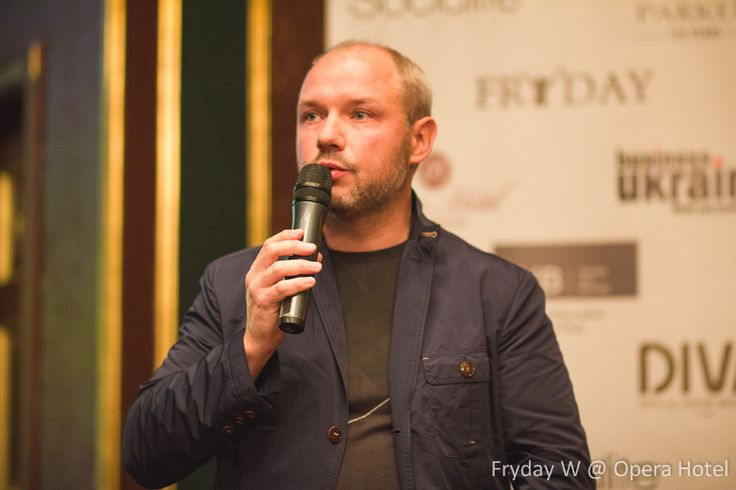 More pics from the event might be found here: http://socialite.nu/lang/ru/fryday-w-kyiv-opera-hotel-18-09-2013/