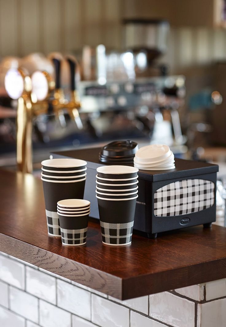 The IZZA concept is ideal: it combines napkins and papercups – in a choice of different sizes – and a napkin holder, which go beautifully together.