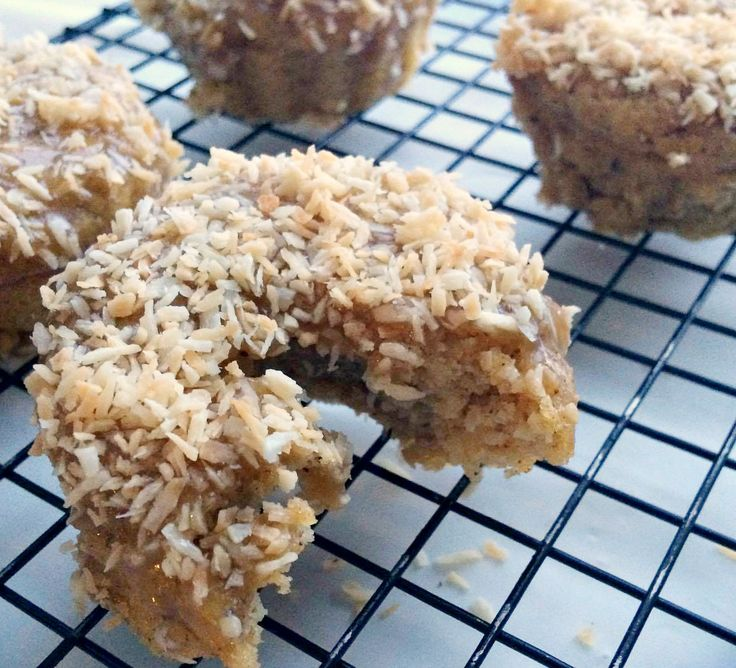 These keto donuts are healthy & will keep you on track with your macros! Homemade caramel in 30 seconds and toasted coconut take these over the top.