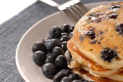 Whole Wheat Blueberry Pancakes  | Vegan Recipe Pins