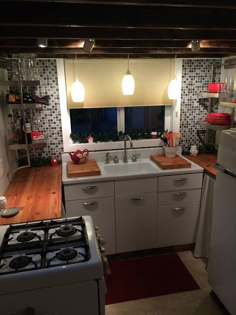 My Empty Nest: A Letter To My Tiny House. Wonderful vintage sink and gas stove in this small kitchen. | Tiny Homes