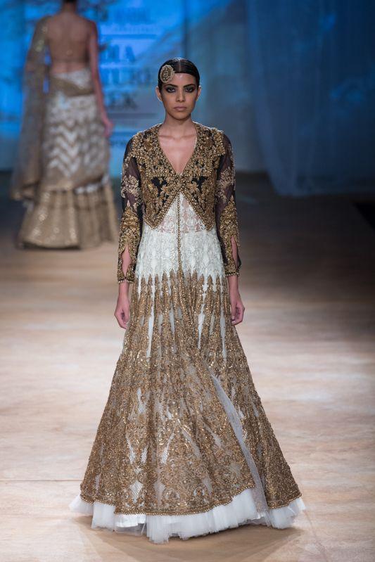 Indian & Pakistani Latest Fashion of Top Designer Fancy Party wear & Stylish Bridal Anarkali Suits for Women (26)