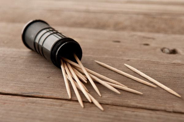 How to: Make DIY Whiskey Flavored Toothpicks