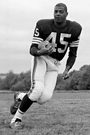 Ernie Davis: First African-American to Win the Heisman Trophy   Black Then