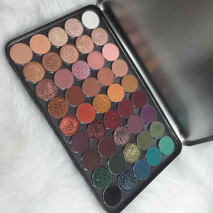 "24.5k Likes, 249 Comments - Daisy Marquez (@daisymarquez_) on Instagram: ""Here's my beautiful custom @makeupforeverofficial xl palette filled with my favorite single…"""