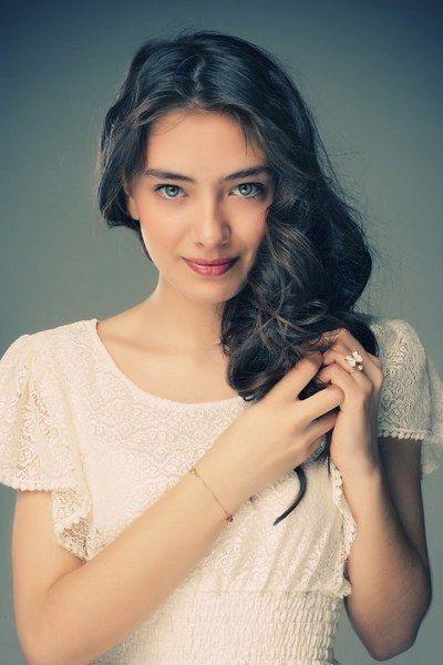 Neslihan Atagül, девушка | женщина, волосы темные, глаза серые, 2