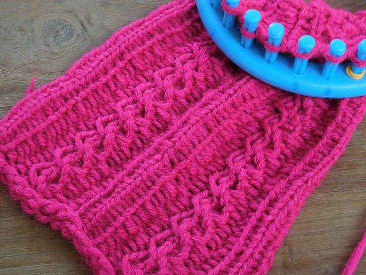 Ik laat zien hoe je Kabels kunt maken op een breiloom, In deze video een voorbeeld van een sjaal. Ook beginners kunnen dit patroon gebruiken! Veel succes!