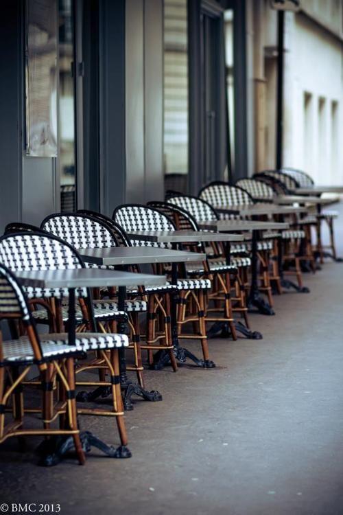 a glimpse, Paris cafe