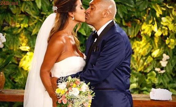 Em programa de TV: Tiririca se casa com a mulher em cerimônia surpresa após 20 anos