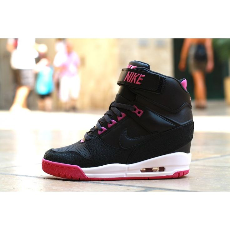 NIKE WMNS AIR REVOLUTION SKY HI BLACK