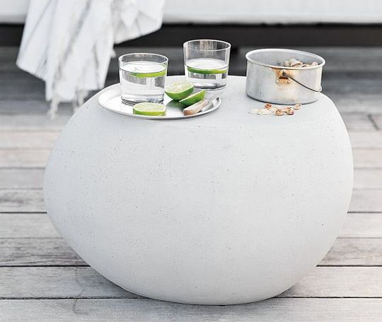 The perfect way to add a softer element to a contemporary outdoor space.