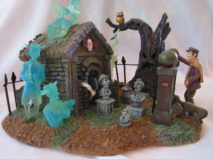 Disney rare haunted mansion house light up graveyard 28182 for Disney halloween home decorations