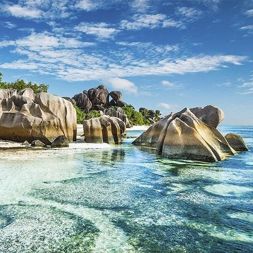 @Easyvoyage - Paradise in Anse Source d'Argent Seychelles  #myeasyvoyage #seychelles #paradise #beach #indianocean #beachlover #instatravel #bucketlist #neverstopexploring #passionpassport #travel #wanderlust #nature #naturelovers #beautifuld