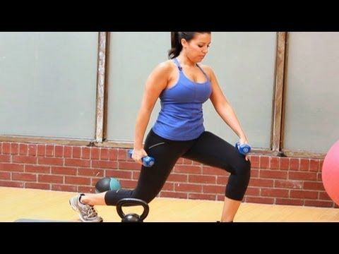 How to Do a Walking Lunge | Female Bodybuilding - YouTube