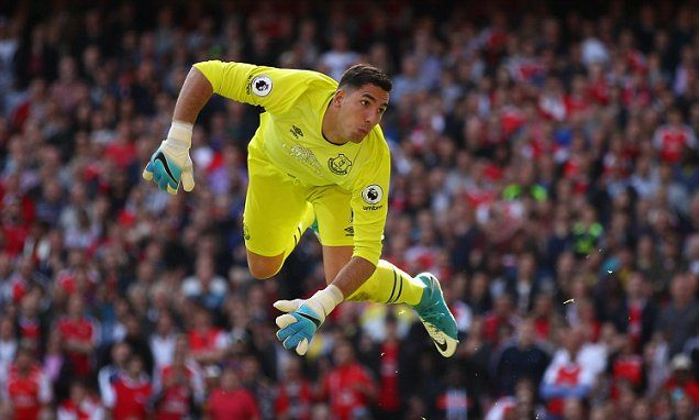 Deportivo La Coruna want Everton goalkeeper Joel Robles