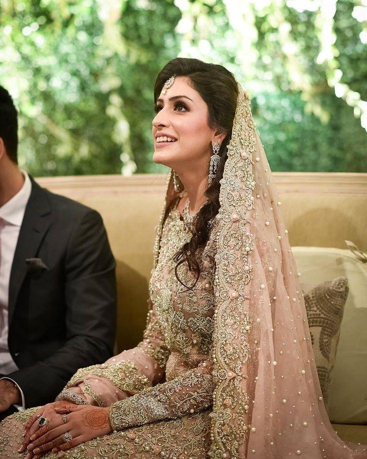 Mashaal Gauher Is every bit of a princess in this stunning #suffuse bridal #SuffuseBySanaYasir #suffusebride #mashalguaher #mashum