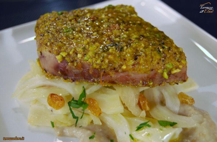 Pesce spada impanato con granella di pistacchio... Terrazze dell'Etna & Terrazze d'Oro