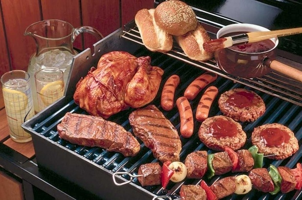 Gadgets for Winning the Back Deck Grilling Battle  Weekend warriors of the back deck variety, get ready to start your BBQs. And as you do, consider 5 grills and gadgets described by Popular Mechanics for spicing up the battle this summer