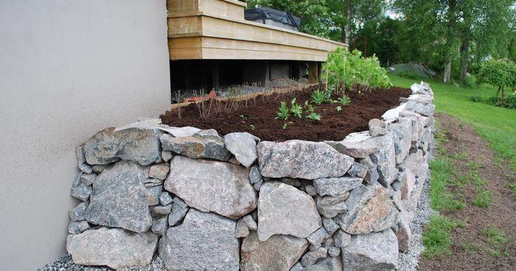 Merjas Trädgård: Mur rabatt Del.2