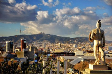 Barcelona is a city with the most spectacular views. Here we explore the best rooftop restaurants with both excellent cuisine and a great view.