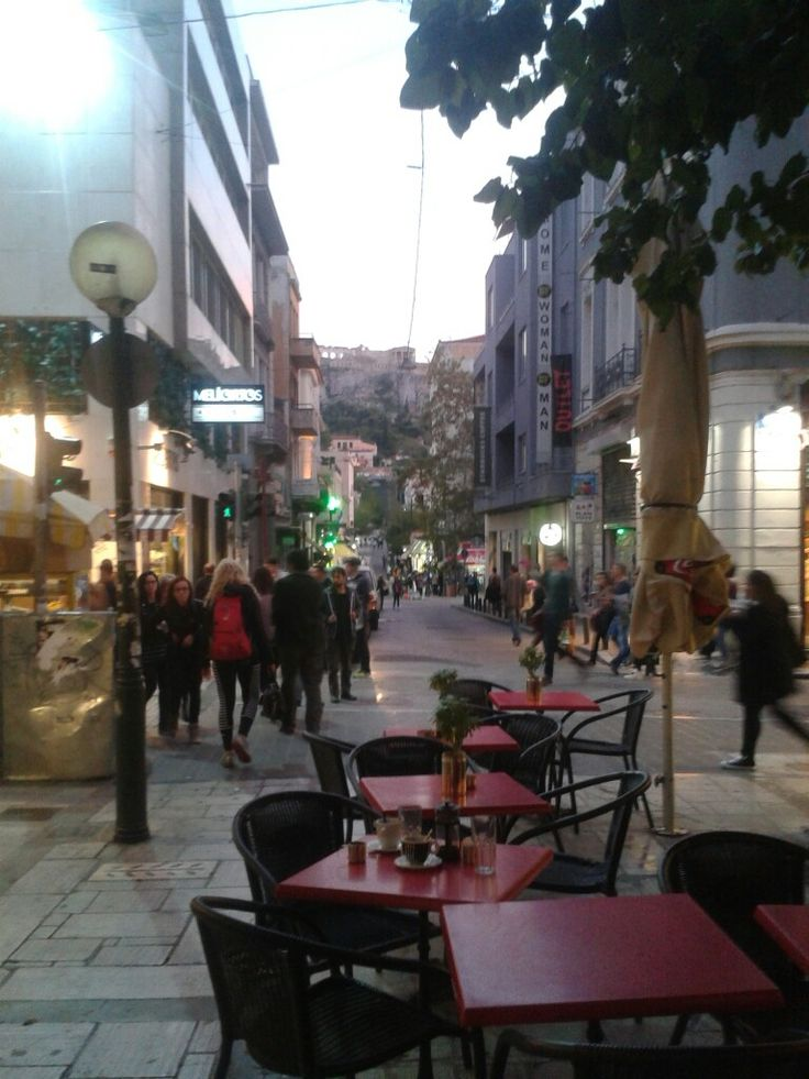Aiolou Street, Monastiraki. The heart of the town on a Monday evening.