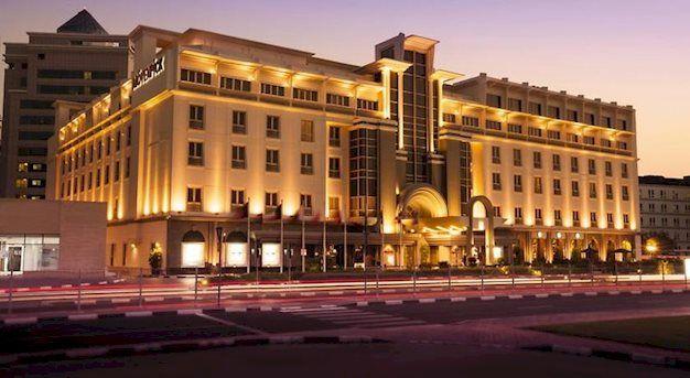 8 daagse vliegvakantie naar Movenpick Bur Dubai in dubai verenigde arabische emiraten  Centraal in de buurt van de Dubai Creek. Tweemaal daags shuttle naar Dubai Mall en Kite Beach (zand ca. 25 minuten) inclusief. Winkels bushalte en bars op ca. 500 m afstand.  EUR 721.00  Meer informatie  http://dubaiservice.eu http://ift.tt/1U3o6T7 #Dubai #arabischeemiraten
